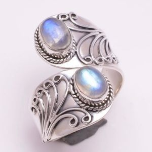 Jewelry - 🆕 Silver Toned Antiqued Bypass Ring